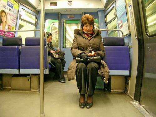 "Strapontin (""fold down seat"")"