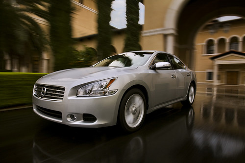 2009 nissan Maxima pictures 2