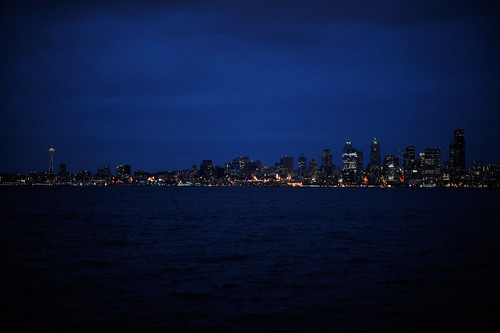 110609_seattleskylinenight