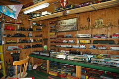 NORTH CORNER OF THE DEPOT (vistapines2) Tags: ca sandiego trains engines depot passengercars vistapines