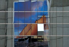 Dubai ... twice a day (Dreamer7112) Tags: windows reflection building 20d window glass promotion facade reflections ads advertising poster schweiz switzerland pub europe dubai pattern publicidad suisse suiza propaganda canon20d zurich ad front canoneos20d billboard advertisement emirates explore reflected openwindow billboards mirrored zrich publicity werbung svizzera advertisements reflexions riflessi zuerich reflexos publicit plakate plakat zurichairport reflejos eos20d publicidade pubblicit zrichflughafen emiratesairlines zurigo spiegelungen  rclame pubblicita emiratesairline werbeplakat airportzurich zurichinternationalairport  werbeplakate clipcook kuwaitartphotoclub internationalairportzurich