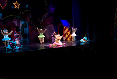 Rockettes Xmas 2007-2 (Carlos Echenique) Tags: show christmas rockettes