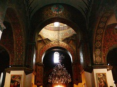 inside - Holy Etchmiadzin Cathedral (nersess) Tags: see cathedral iglesia dome caucasus armenia orthodox eglise narthex armenianchurch orthodoxchurch kaukasus pantokrator echmiadzin pantocrator etchmiadzin kaukaz armenianorthodox