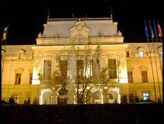 Palatul Roznovanu - Primaria Iasi (Lucian Simionesei) Tags: city light building history night europe united eu romania hal iasi primarie ue lucian lumina roumanie oras cladire istorie