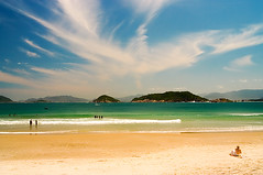 Naufragados 18 (VanMagenta) Tags: brazil praia beach brasil magenta playa florianopolis van trilha naufragados vanmagenta diaadiabrasileiro