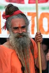 Orange smile (matteo_dudek) Tags: old portrait orange man rome roma smile beard march legalize uomo mmm sorriso marijuana ritratto barba arancione legalization vecchio corteo anziano bigmomma legalizzazione challengeyouwinner photofaceoffwinner photofaceoffsilver pfosilver lpsmiles tmoacgwinner