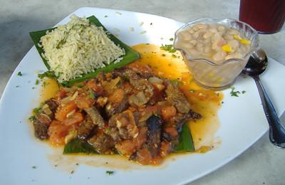 Taco Rosa - Puntas de Filete a la Tinga