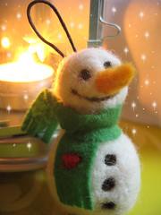 My Cute Snowman/preparing Christmas (mirabo) Tags: snowman handmade felt mira handcraft bonhommedeneige needlefelted faitmain mirabo lainecarde