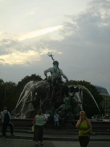 Fontana vicino al municipio by lpelo2000