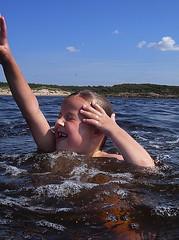 Kids (Ken-Zan) Tags: water kids strand vatten lek halland vstkusten kenzan my ljunghav