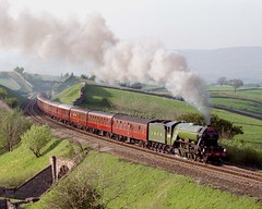 4472 at Birkett Common May 92 (prof@worthvalley) Tags: uk railroad flying all transport railway steam locomotive types scotsman 4472