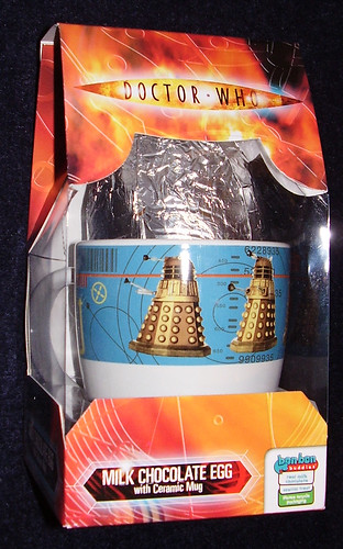 DR WHO - Milk Chocolate Egg with Dalek Mug