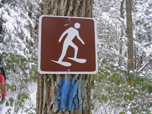 International symbol for snow shoeing?