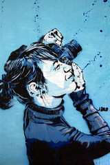 jana und js (Luna Park) Tags: blue streetart paris france girl stencil photographer jana lunapark js