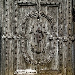 Garden Door (Oxford Murray) Tags: woodwork carving woodcarving door gate 16thcentury historic antique history abbey angleseyabby nt nationaltrust oxfordmurray cambridgeshire