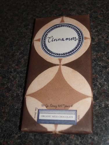Rococo Milk Chocolate with Cinnamon Bar