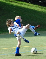 Gröbenzell-Tuerkenfeld (Pixelkids) Tags: sports boys kids jump soccer topic fusball golddragon citrit rickspixtop50