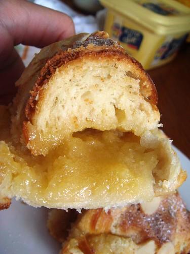 Almond croissant2