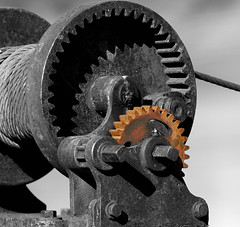 Rusty Winch (Nikon66) Tags: nikon rust mechanical d200 cogs winch golddragon nikkor70200mmf28 bwartaward sweetselectivecolor