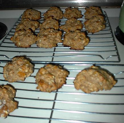 Whole Wheat Oatmeal Apricot Cookies