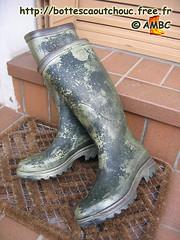 """Bottes caoutchouc """"modèle spécial"""" (pascal en bottes) Tags: boots rubber pascal wellies gummistiefel bottes botas gumboots gomma aigle stiefel caoutchouc stivali stovlar"""