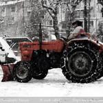 Trattore da neve thumbnail