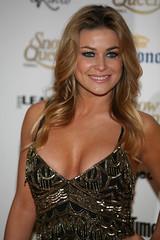sexy Carmen Electra de gala