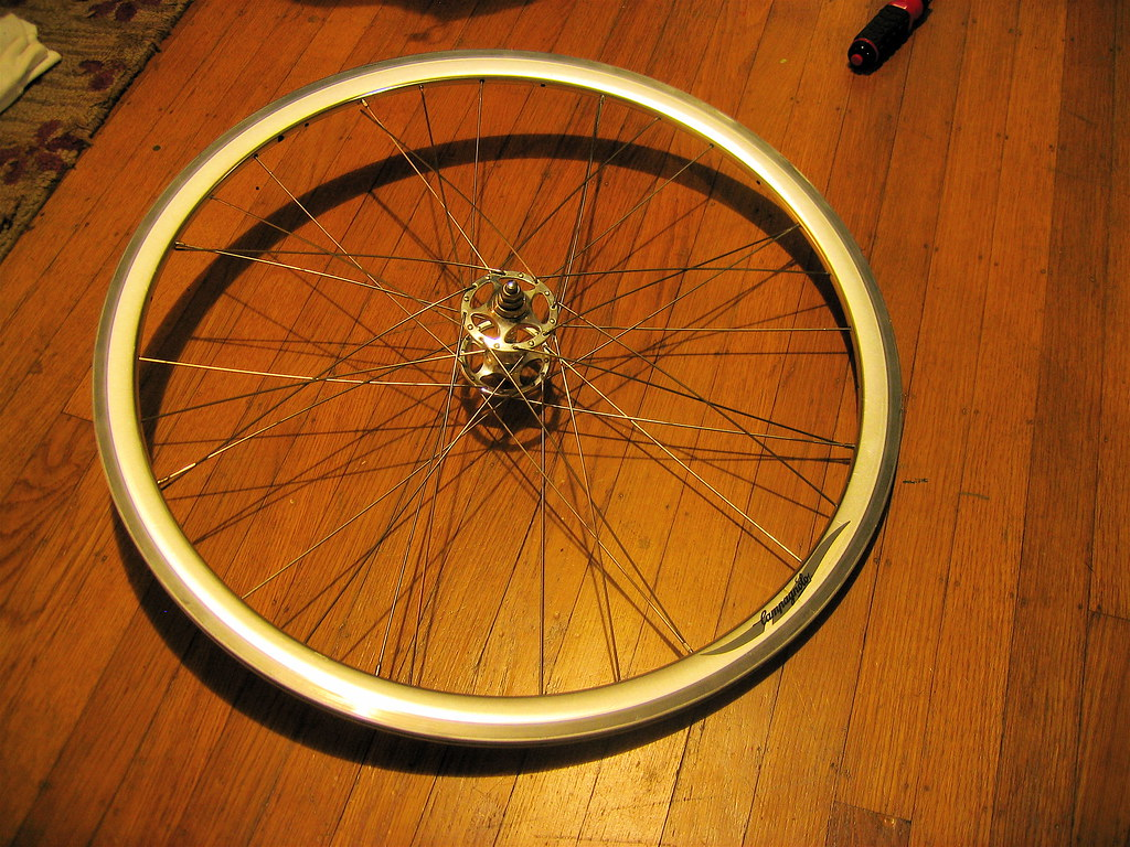 Wheel building tutorial: Third & fourth passes