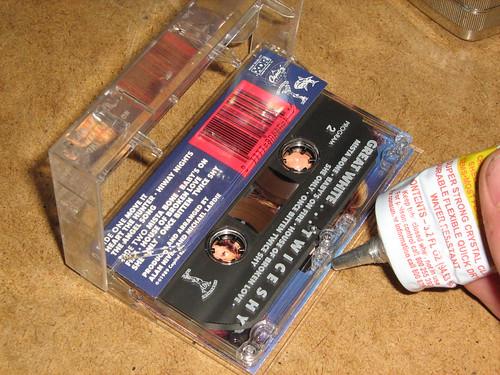 Gluing cassette door