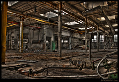 Usine  labandon #03 (Yoan Bernabeu) Tags: france art photoshop grenoble canon dark french eos noir  artistic 03 sombre technique hdr usine bernabeu vide industriel indu peur glauque yoan trepied photomatix destuction friche 400d abandon greatmanipulart labandon hdrtool