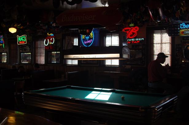 pool_table_helvetia_615x409