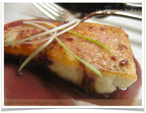 Tilapia fish with Red wine sauce