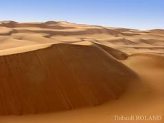 Dune du dsert libyen - 10 (Thibault Roland) Tags: blue sky desert dune bleu ciel roland libya thibault lybia dsert libye akakus tadrart akhakus akhakhus akakhus thadrart tadhrart tadrarth