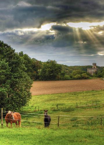 Sonnenstrahlen über der Burg Pyrmont
