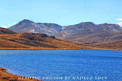 Dance Your Blues Away (C@MARADERIE) Tags: blue brown mountains color nature landscape colorful bluewater nopeople serenity serene ripples wilderness bluelagoon browngrass colorimage deosai deosainationalpark sheosarlake deosaiplains lakesofpakistan lakesheosar enrichedblue