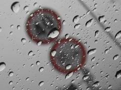 40 Km (f.sorichetti) Tags: city italy acqua pioggia limite gocce divieto velocita