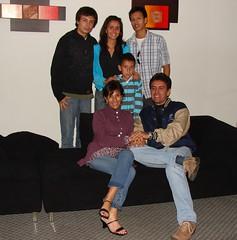 introducing: my family. (* Hello, Joyce *) Tags: les de un feliz fin año 2007 torres reunión pandilla desea