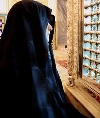 ?!?!?! (matiya firoozfar) Tags: persian iran d islam tomb hijab persia mosque ethics mausoleum iranian  isfahan hakim    chador futurity   iranianwomen eslam eos400d esfhan canon400d matiya   matiyafiroozfar     firoozfar jurjir  kalbasi