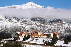 Hotel Llao Llao en Bariloche (poperotico) Tags: patagonia mountain snow argentina geotagged hotel nieve neve montaa montanha llaollao sancarlosdebariloche