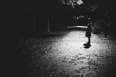 in the dark #2 (Ta) Tags: leica baby 50mm kodak trix mp artlibre artlibres