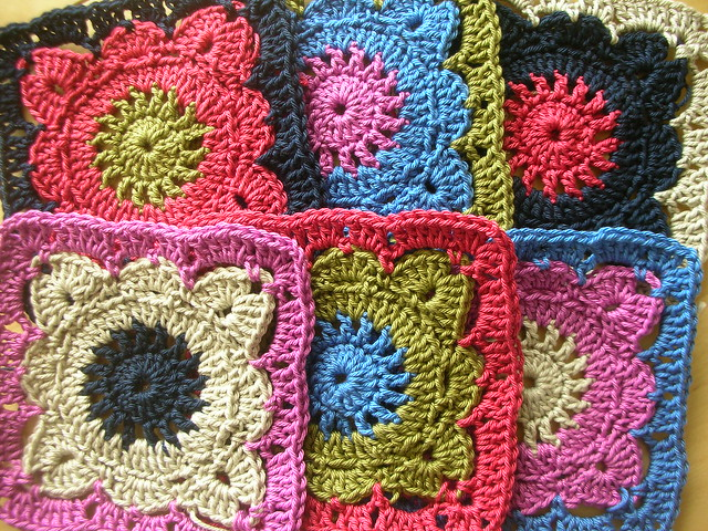 CROCHETED GRANNY SQUARE PATTERNS FREE FREE PATTERNS