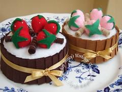Felt Chocolate Cake (music box) (Shirley's Workshop) Tags: brown diy handmade unique ooak fruity musicbox chocolatecake strewberry feltcake