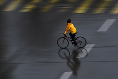 Drops in the Eyes (edouardv66) Tags: street orange woman cold color wet girl rain bike grey mirror switzerland movement nikon suisse geneva action mountainbike rainy d200 genève 18200 balaclava vr humid topedal