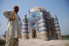 Uch Sharif (Raja Islam) Tags: world pakistan heritage saint sharif site muslim tomb unesco dome punjab bibi sufi tombs uch bahawalpur uchsharif jawindi