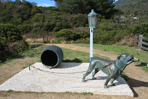 Dog Line - Statue on Eaglehawk Neck