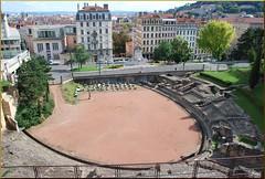 Anfiteatro de las Tres Gaules (Lyon, 24-7-2011) (Juanje Orío) Tags: francia lyon 2011 patrimoniodelahumanidad whl0872 anfiteatro ruina worldheritage jardín monumentohistóricodefrancia