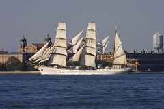 GORCH FOCK passing Ellis Island, New York, USA. October, 2007 (Tom Turner - SeaTeamImages / AirTeamImages) Tags: newyork classic port germany island bay harbor marine sailing ship ellis pony maritime tall tallship masts ellisisland sailingship gorch fock gorchfock tomturner