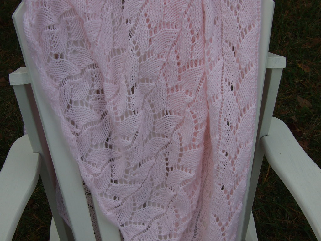 FO ~ Frosty Pink Baby Blanket 01