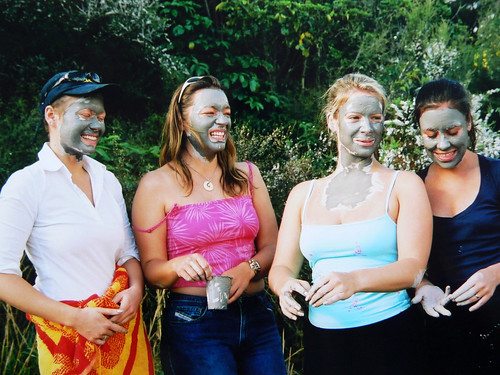 MUD WITCHES, NEW ZEALAND