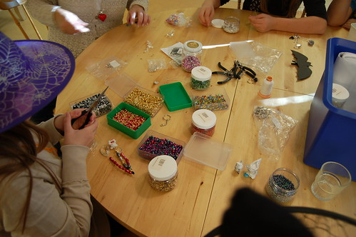Witch crafting with pearls